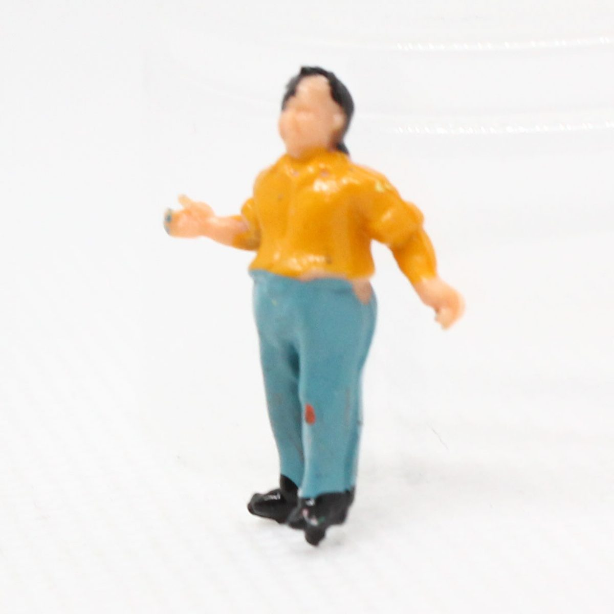 Model figure STANDING - assorted painted Image 1